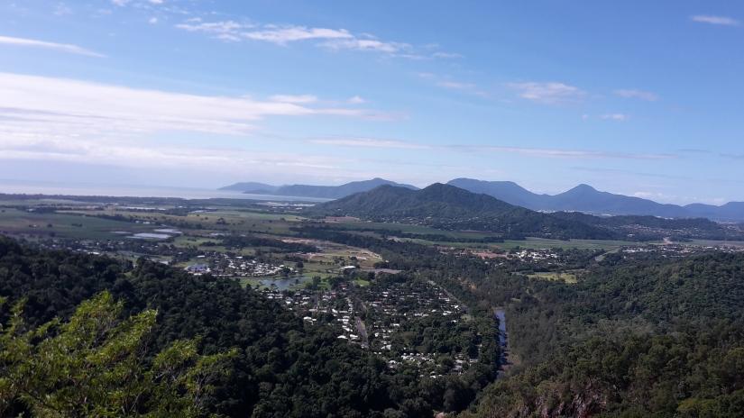 Vista View over Cairns